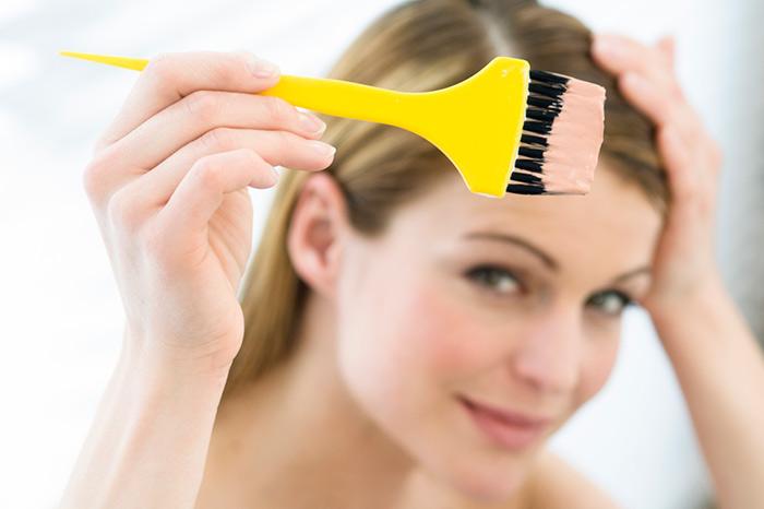 окрашивание волос при беременности - осторожность