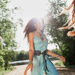 Купить дизайнерскую женскую одежду онлайн