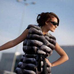 Модные жилетки из натурального меха