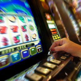 Сыграйте в лучшие азартные игровые автоматы 777 на сайте онлайн казино Azino 777