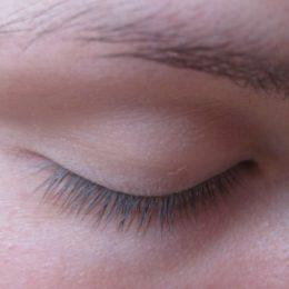 Карепрост – эффективное средство для улучшения состояния ресниц