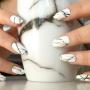 Стильный маникюр в технике «капающая краска»