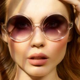 Какие солнцезащитные очки подходят людям с круглым или квадратным лицом?